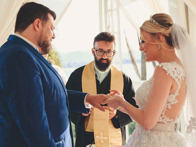 O casamento de Anderson e Crisiane em Florianópolis, Santa Catarina 41