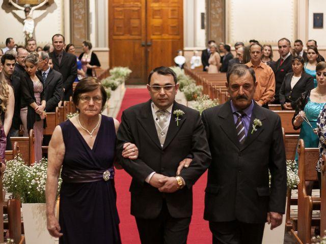O casamento de Elisangela e César em Novo Hamburgo, Rio Grande do Sul 23