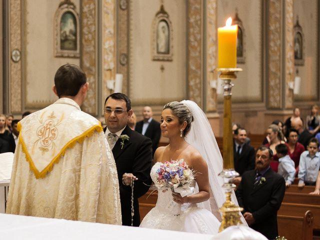 O casamento de Elisangela e César em Novo Hamburgo, Rio Grande do Sul 33