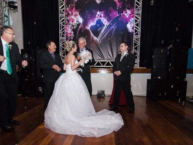 O casamento de Elisangela e César em Novo Hamburgo, Rio Grande do Sul 81