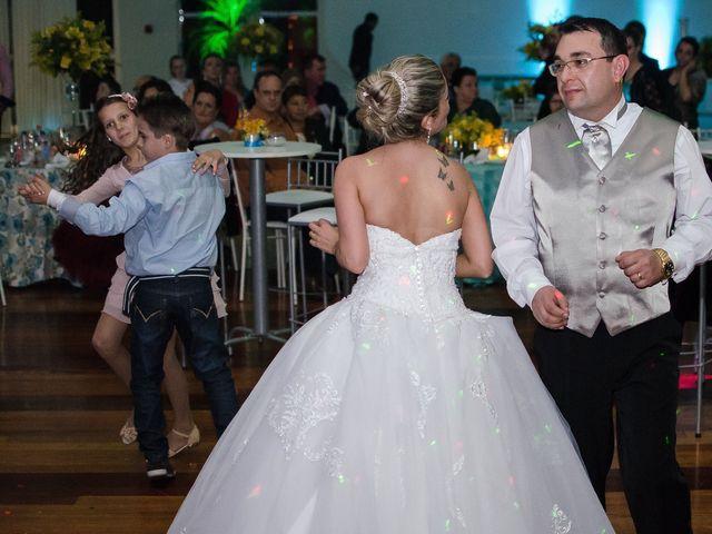 O casamento de Elisangela e César em Novo Hamburgo, Rio Grande do Sul 91