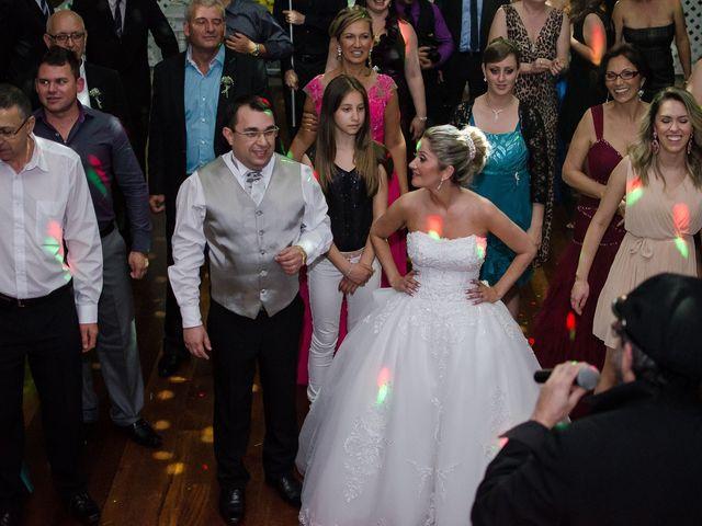 O casamento de Elisangela e César em Novo Hamburgo, Rio Grande do Sul 96