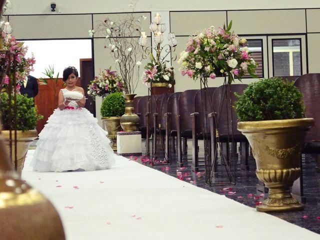 O casamento de Douglas e Jennifer em Curitiba, Paraná 8