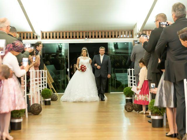 O casamento de Raphael e Renata em São José dos Pinhais, Paraná 22