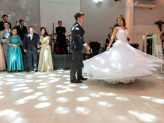 O casamento de Raphael e Renata em São José dos Pinhais, Paraná 24