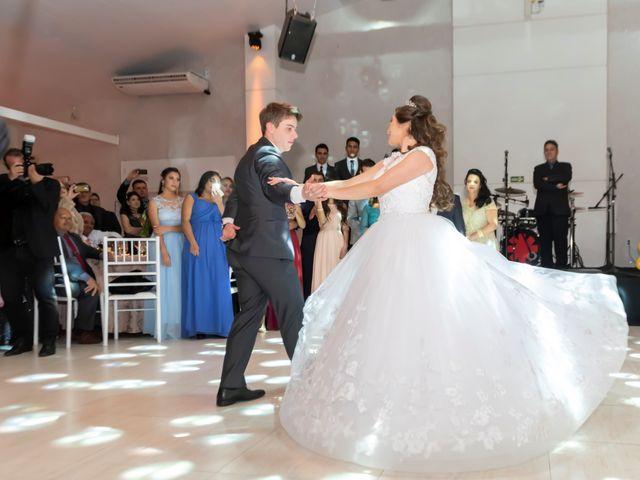 O casamento de Raphael e Renata em São José dos Pinhais, Paraná 25