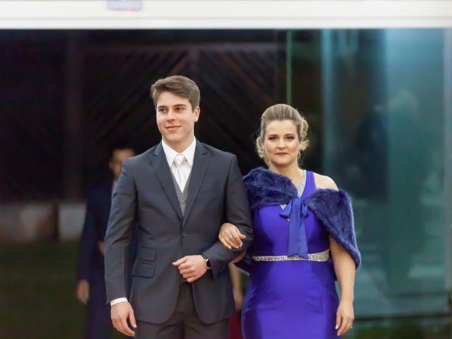 O casamento de Raphael e Renata em São José dos Pinhais, Paraná 33