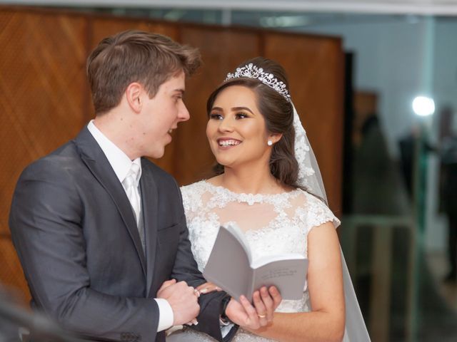 O casamento de Raphael e Renata em São José dos Pinhais, Paraná 37