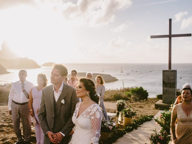 O casamento de César e Raquel em Fernando de Noronha, Pernambuco 14