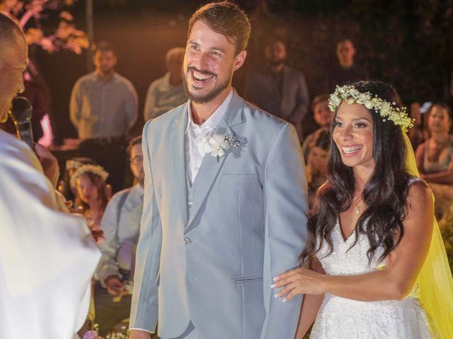 O casamento de Rodrigo e Lira em Monte Gordo, Bahia 53