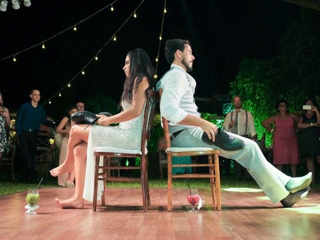 O casamento de Rodrigo e Lira em Monte Gordo, Bahia 97