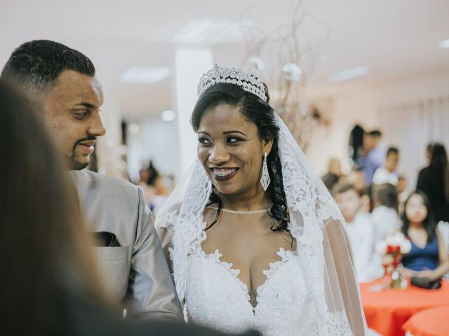 O casamento de Carlos e Jaciara em Carapicuíba, São Paulo 40