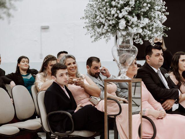 O casamento de Marcelo e Larissa em Gaspar, Santa Catarina 37
