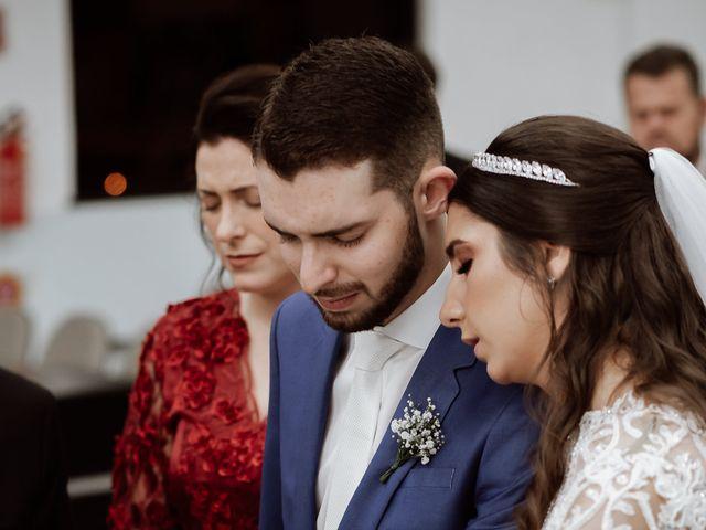 O casamento de Marcelo e Larissa em Gaspar, Santa Catarina 40
