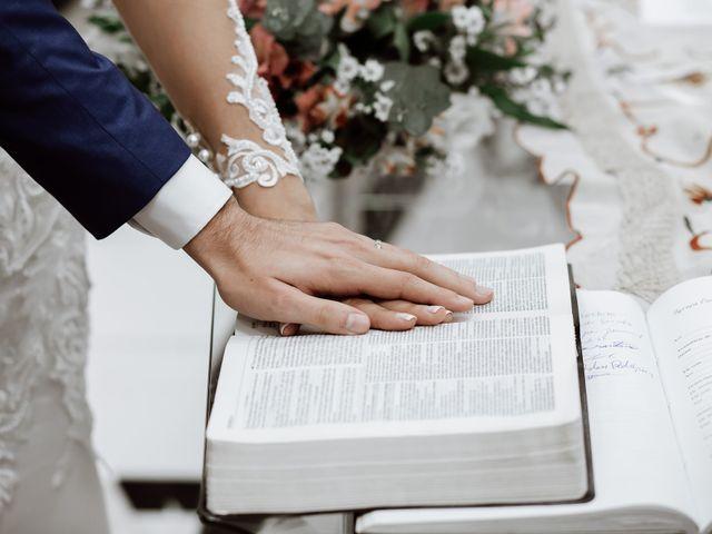 O casamento de Marcelo e Larissa em Gaspar, Santa Catarina 41