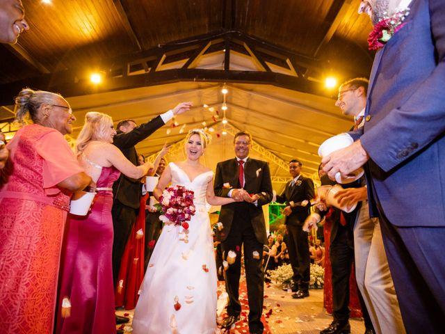 O casamento de John e Silene em Itapecerica da Serra, São Paulo 24