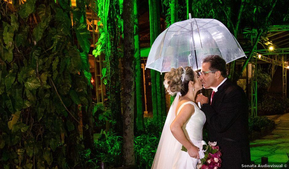 O casamento de John e Silene em Itapecerica da Serra, São Paulo