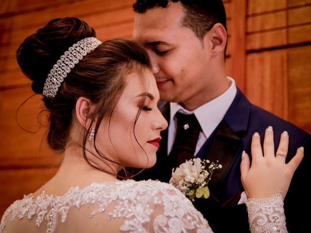 O casamento de Edeline e Thiago