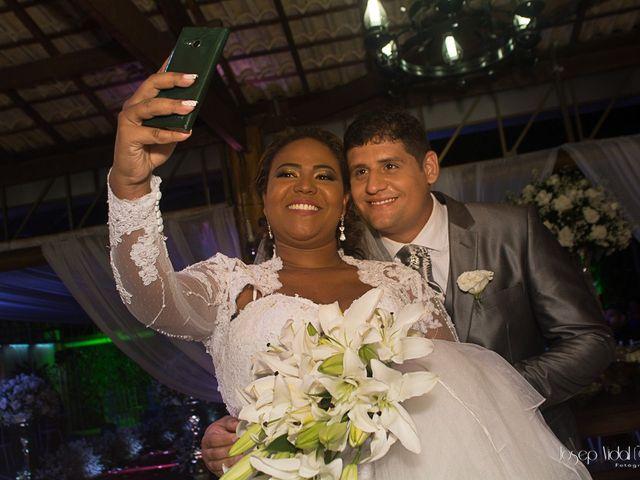 O casamento de Rafael e Débora em Lauro de Freitas, Bahia 23