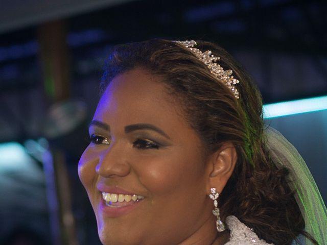O casamento de Rafael e Débora em Lauro de Freitas, Bahia 62
