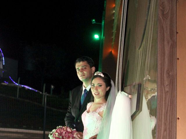O casamento de Douglas e Valéria  em Astorga, Paraná 12