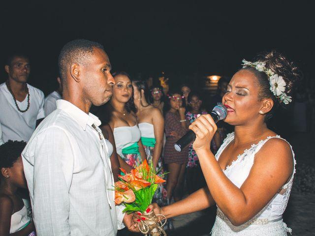 O casamento de Thiago e Elaine em Cabo Frio, Rio de Janeiro 24