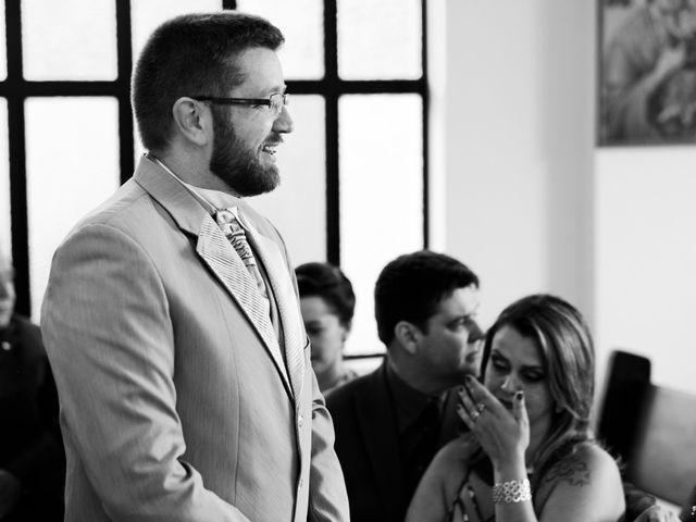 O casamento de Stuart e Luiza em Curitiba, Paraná 8