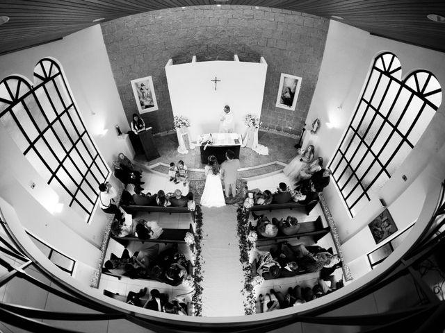 O casamento de Stuart e Luiza em Curitiba, Paraná 14