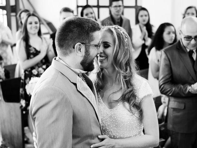 O casamento de Stuart e Luiza em Curitiba, Paraná 22