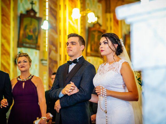 O casamento de Lucas e Bruna em Curitiba, Paraná 28