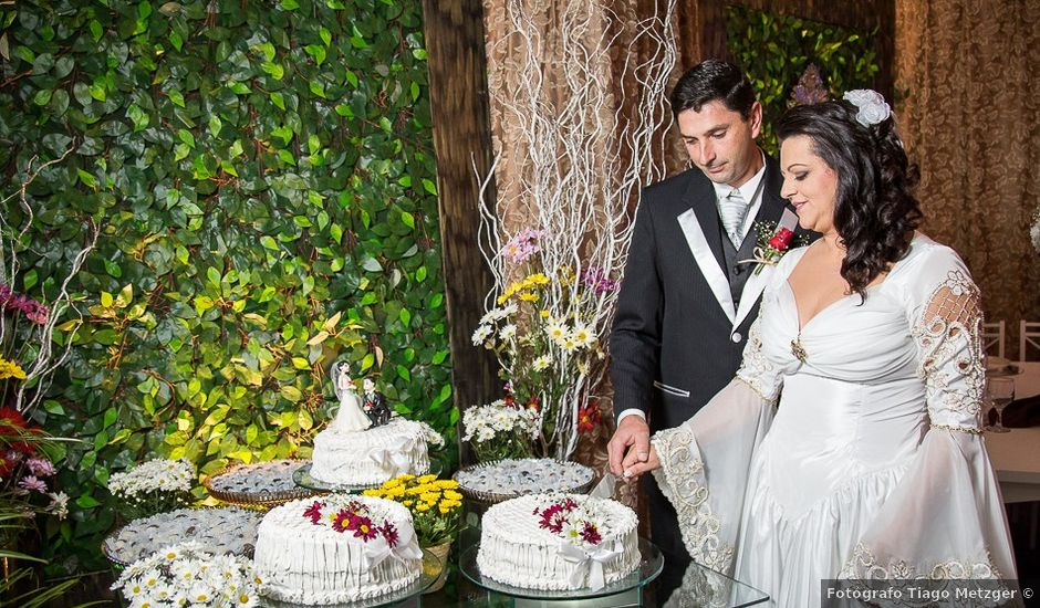O casamento de Ronildo e Mislene em Agrolândia, Santa Catarina