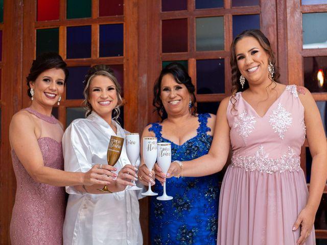 O casamento de Roney e Amanda em Belo Horizonte, Minas Gerais 14