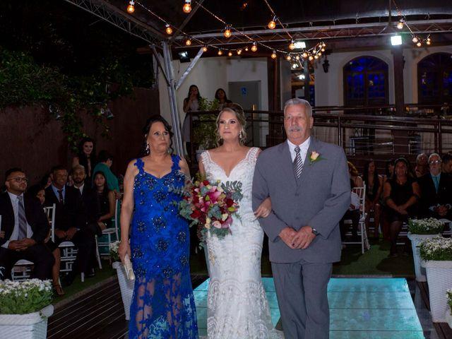 O casamento de Roney e Amanda em Belo Horizonte, Minas Gerais 30