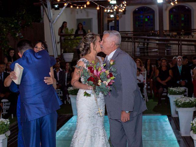 O casamento de Roney e Amanda em Belo Horizonte, Minas Gerais 31