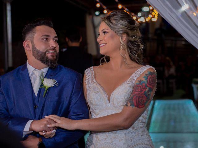 O casamento de Roney e Amanda em Belo Horizonte, Minas Gerais 33