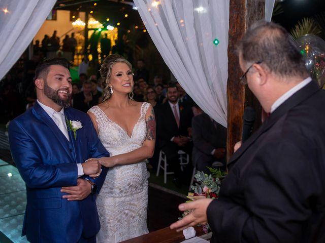 O casamento de Roney e Amanda em Belo Horizonte, Minas Gerais 34
