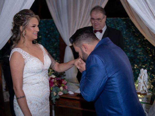 O casamento de Roney e Amanda em Belo Horizonte, Minas Gerais 42