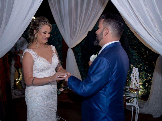 O casamento de Roney e Amanda em Belo Horizonte, Minas Gerais 43