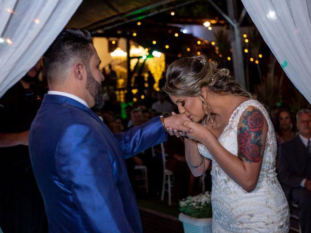 O casamento de Roney e Amanda em Belo Horizonte, Minas Gerais 44