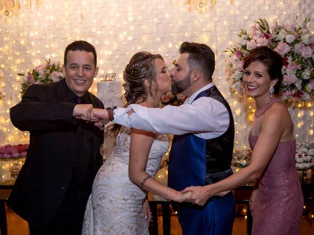 O casamento de Roney e Amanda em Belo Horizonte, Minas Gerais 69