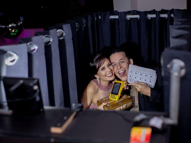O casamento de Roney e Amanda em Belo Horizonte, Minas Gerais 70