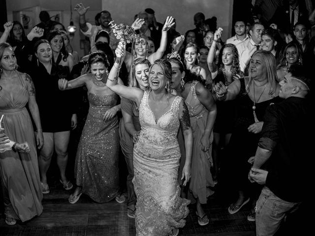 O casamento de Roney e Amanda em Belo Horizonte, Minas Gerais 81