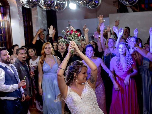 O casamento de Roney e Amanda em Belo Horizonte, Minas Gerais 82