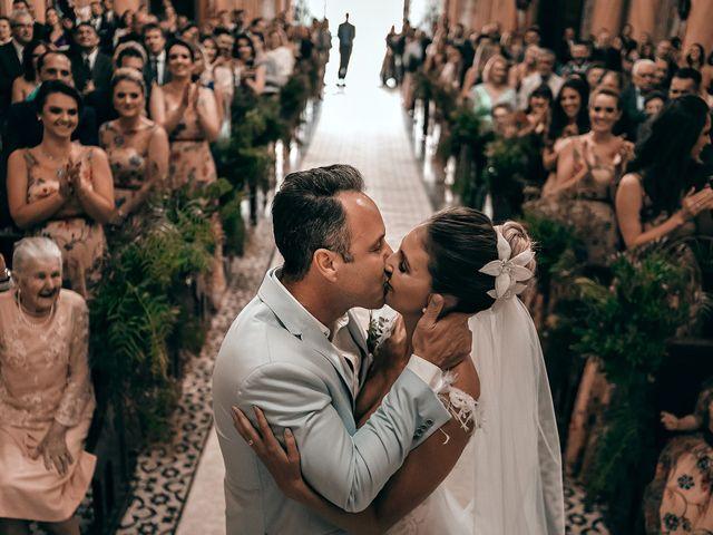 O casamento de Tércio e Marcella em Curitiba, Paraná 19