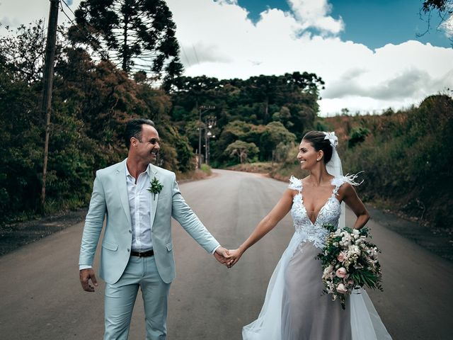 O casamento de Tércio e Marcella em Curitiba, Paraná 32