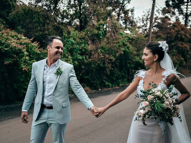 O casamento de Tércio e Marcella em Curitiba, Paraná 33