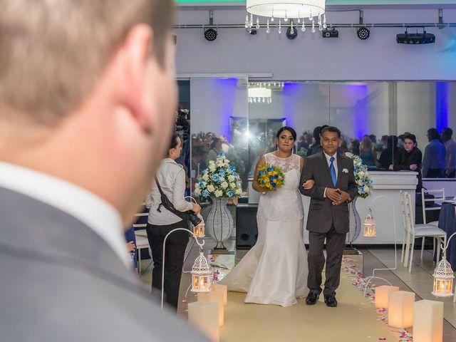 O casamento de Jean e Viviane em Curitiba, Paraná 12