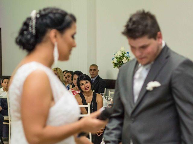 O casamento de Jean e Viviane em Curitiba, Paraná 16