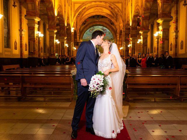 O casamento de Ricardo e Priscila em Porto Alegre, Rio Grande do Sul 80