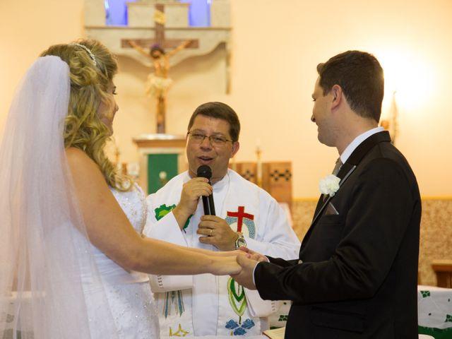 O casamento de Cristiano e Larissa em Paraguaçu, Minas Gerais 8